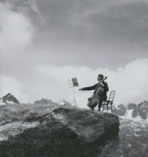Serious guy 2 robert doisneau maurice baquet kok yi yim for Ballade pour violoncelle et chambre noire